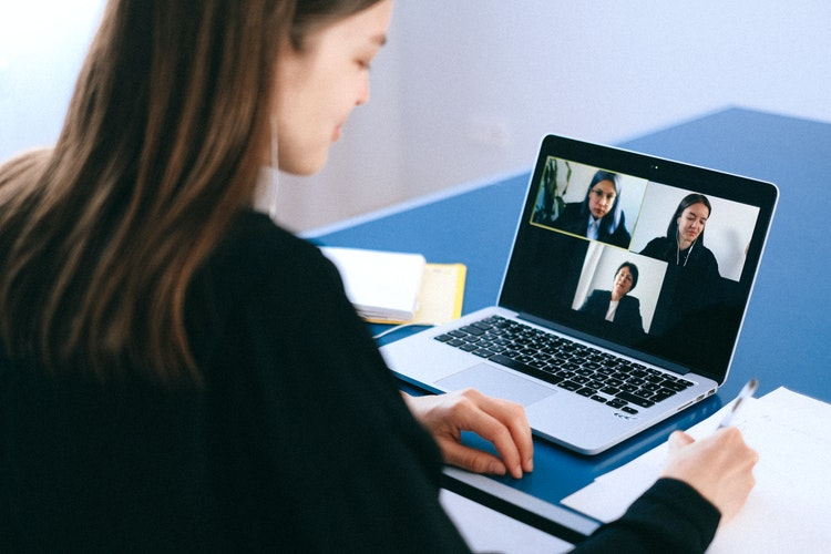3 Ways Captions Improve Video Conferencing Accessibility